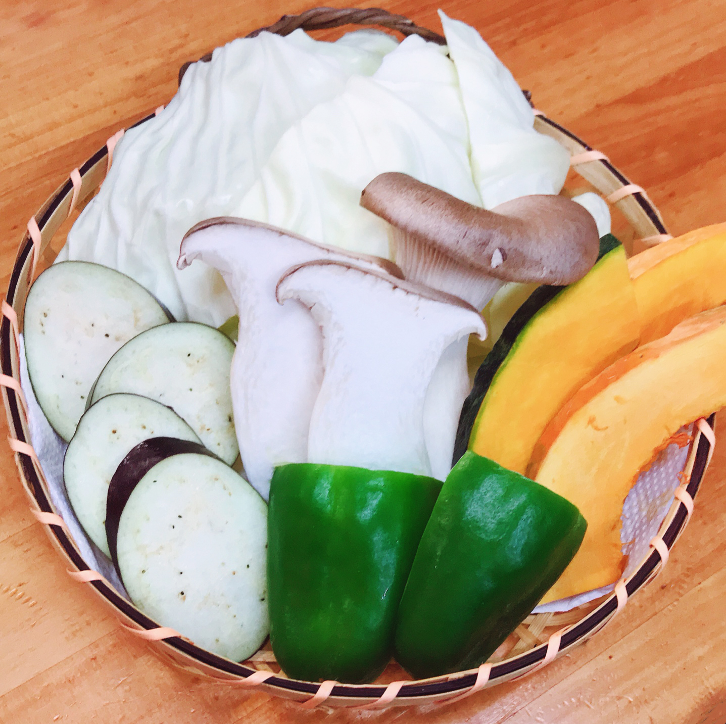 野菜5種盛り合わせ ホルモンてっちゃん
